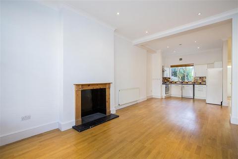 2 bedroom flat to rent - Broomwood Road, SW11