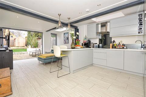 2 bedroom apartment for sale - Marlborough Road, Bowes Park, London, N22