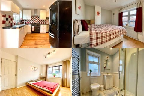 5 bedroom end of terrace house for sale - Deansbrook Road, Edgware, London HA8