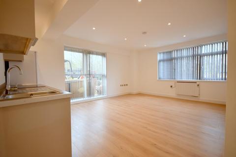 Studio to rent - Coronation Road, Basingstoke, RG21