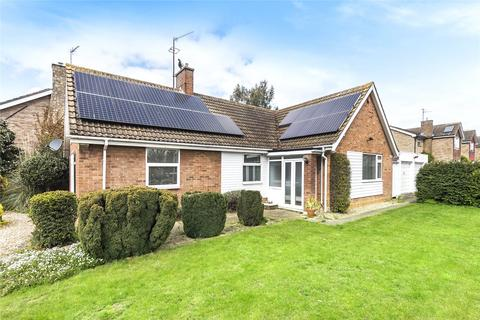 3 bedroom bungalow for sale - Polhill Avenue, Bedford, Bedfordshire, MK41