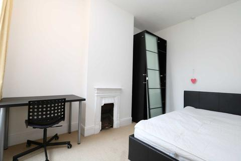 1 bedroom in a house share to rent - Room 3, Gresham Street - 4 bedroom student home fully furnished, WIFI & bills included - NO FEES