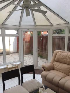 5 bedroom terraced house to rent - Queensland Avenue - 5 bedroom 2 bathroom student home fully furnished, WIFI & bills included - NO FEES