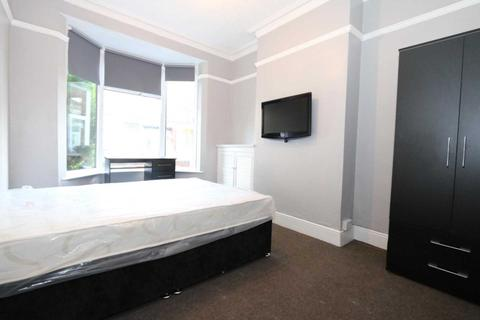 3 bedroom house share to rent - Browning Street - 3 bedroom student home fully furnished, WIFI & bills included - NO FEES