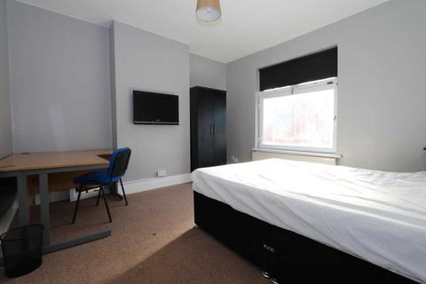 4 bedroom house share to rent - Browning Street - 4 bedroom student home fully furnished, WIFI & bills included - NO FEES