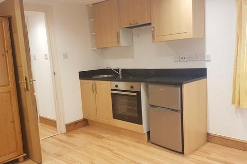 1 bedroom apartment to rent - Mansell Road, London, Greater London, W3