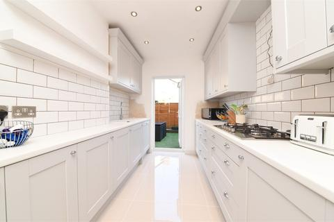 2 bedroom detached house for sale - Percy Road, North Finchley