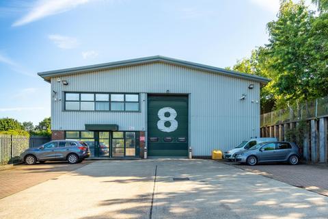 Distribution warehouse to rent - Unit 8, Sevenoaks Enterprise Centre, Bat & Ball Road, Sevenoaks, Kent, TN14 5LJ