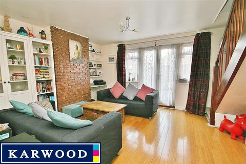 2 bedroom maisonette to rent - South Hayes