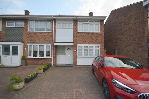 3 bedroom house to rent - Cowdray Way, Hornchurch, RM12