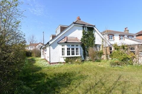 3 bedroom detached bungalow for sale - Haven Gardens, New Milton