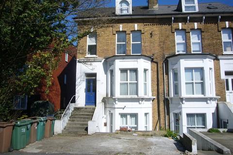1 bedroom flat for sale - Clarendon Road, Wallington