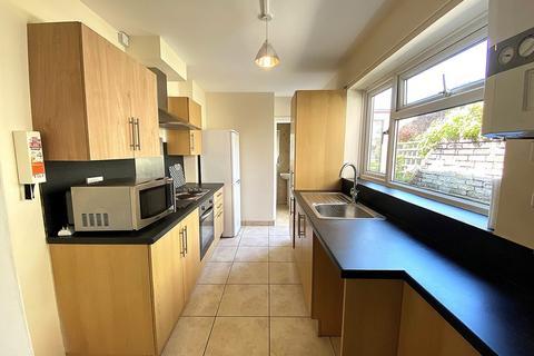 3 bedroom terraced house to rent - Fawcett Road, Southsea
