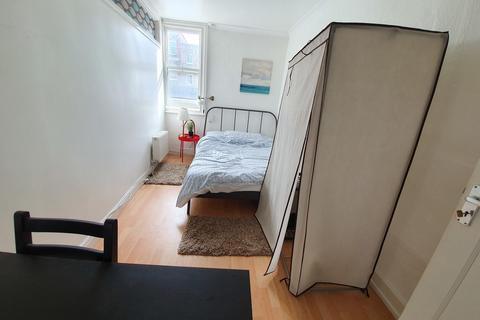 4 bedroom apartment to rent - Hoxton Street, London