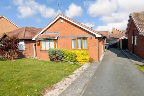 2 bedroom detached bungalow for sale - Lon Cwybr, Rhuddlan