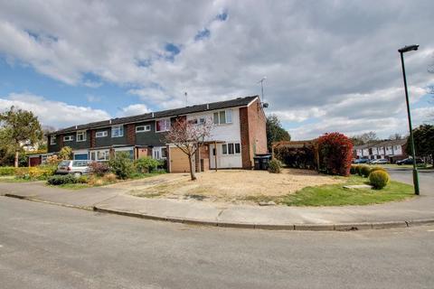 3 bedroom semi-detached house for sale - Barnmead, Haywards Heath