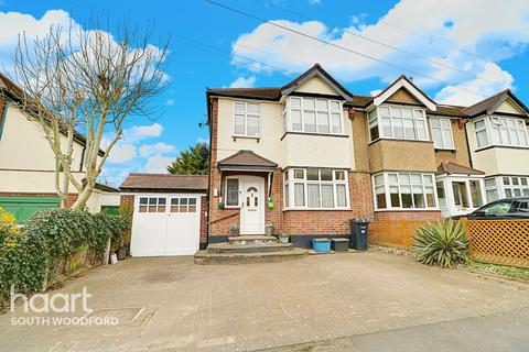 3 bedroom end of terrace house for sale - Globe Road, Woodford Green, Essex, IG8