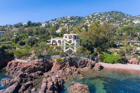7 bedroom villa - L'Abergement-de-Varey, 01640, France