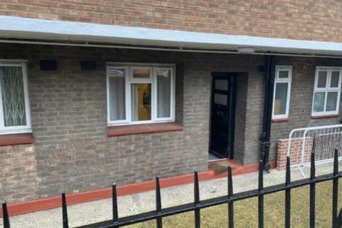 2 bedroom flat to rent - Two Bedroom Ground Floor Flat  Hoxton