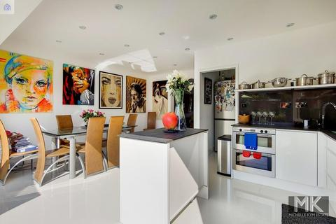3 bedroom semi-detached house for sale - East Ferry Road, London, E14 3AY