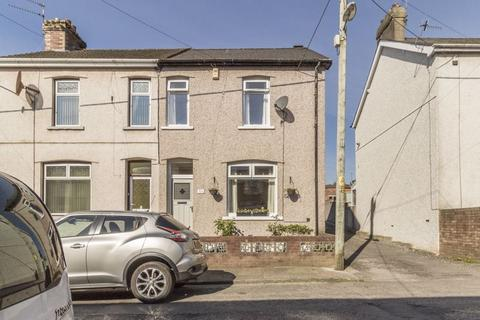3 bedroom end of terrace house for sale - Sherbourne Road, Pontypool - REF#00013373