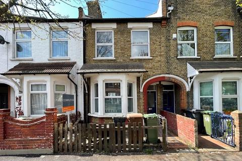 3 bedroom terraced house for sale - Cassiobury Road, London