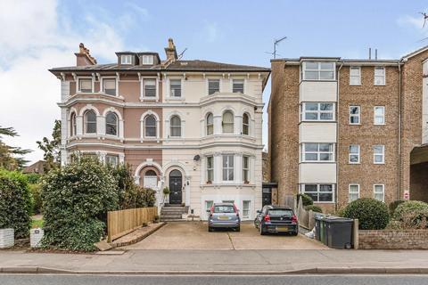2 bedroom flat for sale - Hook Road, Surbiton