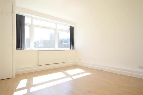 Studio to rent - Ashley Court, Canford Avenue, Northolt