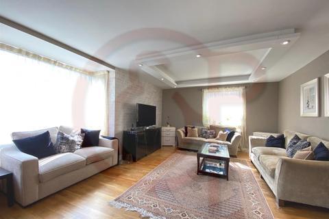 3 bedroom flat to rent - Somerset Square, Kensington, W14