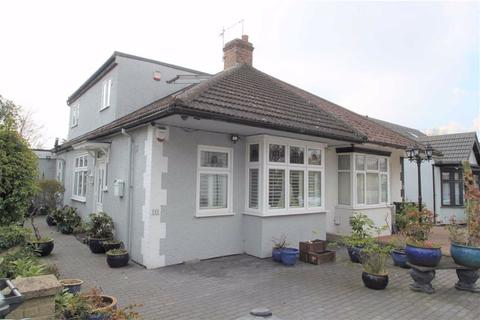 4 bedroom semi-detached bungalow for sale - Sinclair Road, Chingford