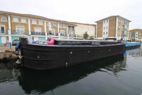 1 bedroom houseboat for sale - at Brighton Marina