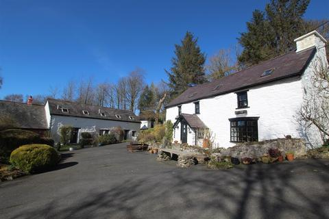 10 bedroom property with land for sale - Ystwyth Valley, Near Aberystwyth