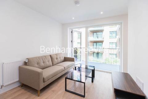 1 bedroom apartment to rent - Greenleaf Walk, Southall, UB1