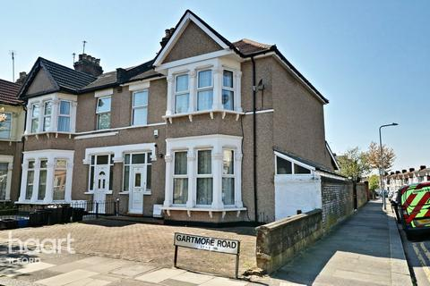 4 bedroom end of terrace house for sale - Gartmore Road, Ilford