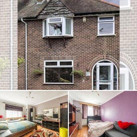 2 bedroom semi-detached house to rent - Warwick Crescent, Hayes UB4