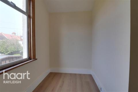 1 bedroom in a house share to rent - Inverness Avenue, Westcliff-on-Sea