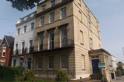 Parking to rent - Flat 4 Devonshire House, 89 Bath Road, Cheltenham, Gloucestershire, GL53