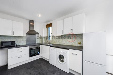3 bedroom maisonette to rent - Gernon Road, Bow E3