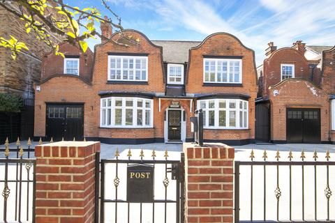 8 bedroom detached house for sale - The Green, Chingford E4