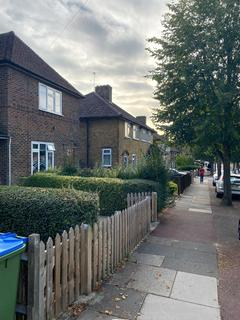 2 bedroom terraced house to rent - Bournbrook, London, SE3