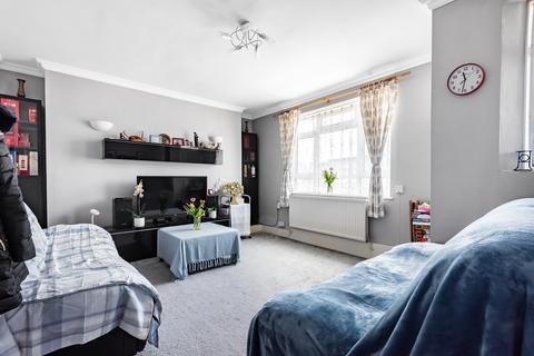 4 bedroom flat for sale - Queens Row London SE17