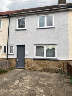 3 bedroom terraced house to rent - Hornfair, London, SE7