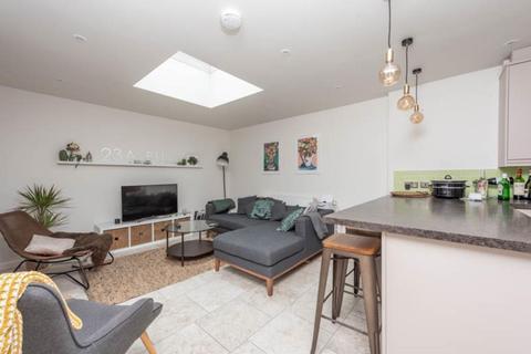 4 bedroom semi-detached house to rent - Bullingdon Road, Oxford, OX4 1QH