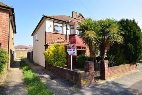3 bedroom end of terrace house for sale - Laurel Close, Hainault, Ilford, Essex