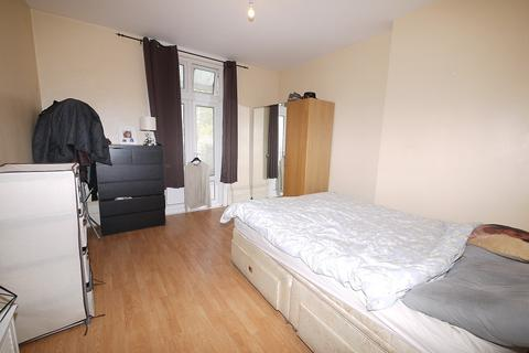 1 bedroom flat to rent - Wallwood Road, London, Greater London. E11