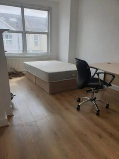 4 bedroom terraced house to rent - Ashvale Road, Tooting Broadway, London, SW17