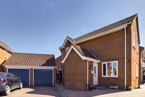 3 bedroom detached house for sale - Appletree Lane, Roydon