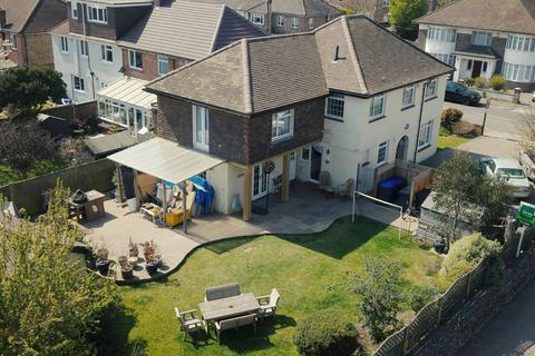 4 bedroom detached house for sale - Upper Brighton Road, Worthing, West Sussex, BN14