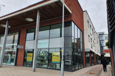 Retail property (high street) to rent - The Gateway, Trowbridge