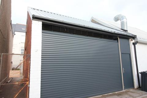 Industrial unit to rent - Brookes Street, Llandudno